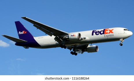 Philadelphia, PA - June 16th, 2018: A FedEx Boeing 767-3S2FER Landing