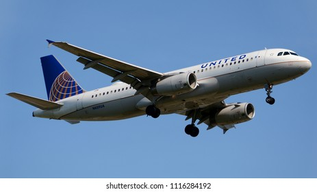 Philadelphia, PA - June 16th, 2018: A United Airlines Airbus A320-232
