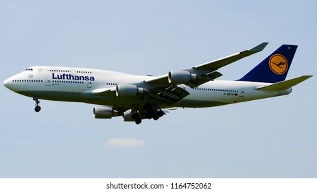 Philadelphia, PA - June 17th, 2018: A Lufthansa Boeing 747-430 Landing