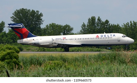 Philadelphia, PA - June 3rd, 2018: A Delta Airlines Boeing 717 Landing at Philadelphia International Airport