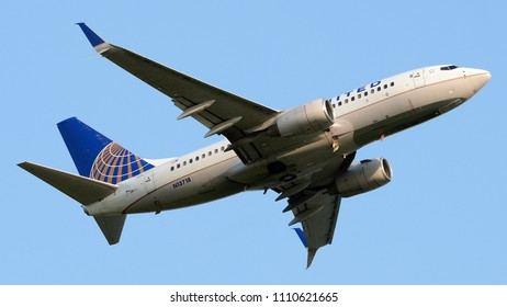 Philadelphia, PA - June 9th, 2018: A United Airlines Boeing 737-724 Departing Philadelphia International Airport