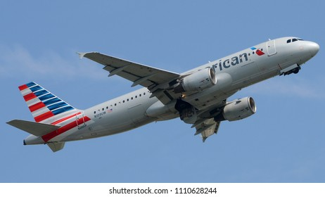 Philadelphia, PA - June 9th, 2018: An American Airlines Airbus A320-214 Departing from Philadelphia International Airport
