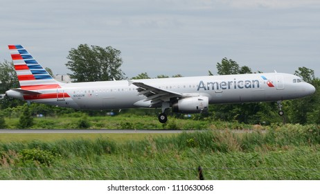 Philadelphia, PA - June 9th, 2018: An American Airlines Airbus A321-231 Landing at Philadelphia International Airport