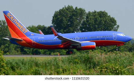 Philadelphia, PA - June 9th, 2018: A Southwest Airlines Boeing 737-7BD Landing at Philadelphia International Airport