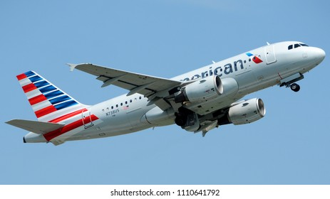 Philadelphia, PA - June 9th, 2018: An American Airlines Airbus A319-112 Departing Philadelphia International Airport
