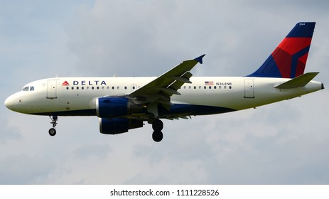 Philadelphia, PA - March 10th, 2016: A Delta Airlines Airbus A319-114 Landing at Philadelphia International Airport