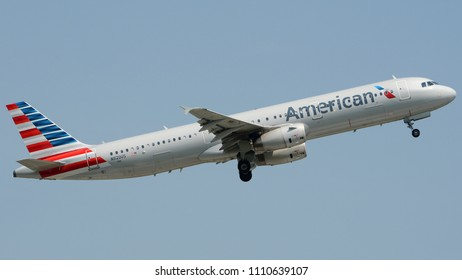 Philadelphia, PA - March 1st, 2018: An American Airlines Airbus A321-231 Departing Philadelphia International Airport