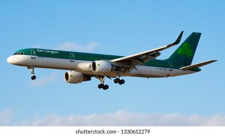 Philadelphia, PA - March 4th, 2019: An Aer Lingus Boeing 757-2Q8 Landing
