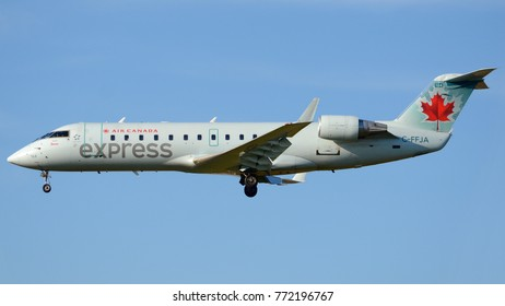 Philadelphia, PA - November 20th, 2017: An Air Canada Express CRJ-200 Landing at Philadelphia International Airport
