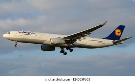 Philadelphia, PA - November 25th, 2018: A Lufthansa Airbus A330-343 Landing