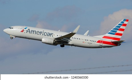 Philadelphia, PA - November 25th, 2018: An American Airlines Boeing 737-823 Taking Off