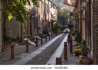 Philadelphia, Pa. USA, Oct. 22, 2017: colonial street at Elfreth's Alley located in the Old City. Oct. 22, 2017 in Philadelphia, Pa. USA