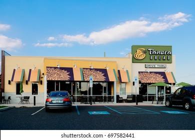 Philadelphia, Pennsylvania - Aug 16, 2017: Panera Bread Retail Location. Panera is a Chain of Fast Casual Restaurants Offering Free WiFi V