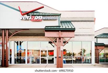 Philadelphia, Pennsylvania - Aug 16, 2017: Verizon Wireless Retail Location. Verizon is One of the Largest Technology Companies XI