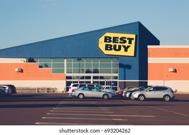 Philadelphia, Pennsylvania - Aug 8, 2017:Best Buy is an American electronics retail store.