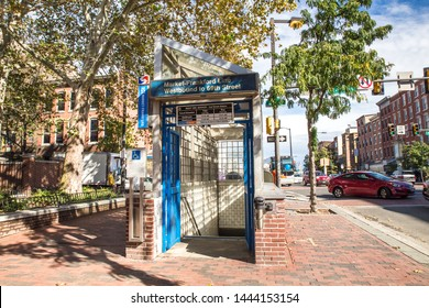 PHILADELPHIA, PENNSYLVANIA - OCTOBER 9, 2016:  Street view of entrance to Philadelphia Subway station at Market Street
