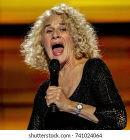 Philadelphia, Pennsylvania, USA, 28th July 2016Carole King performs at the Democratic National Nominating Convention in the Wells Fargo Arena.