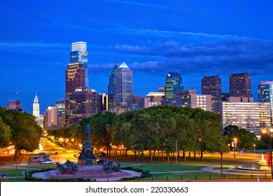 Philadelphia skyline at dusk, Pennsylvania, USA