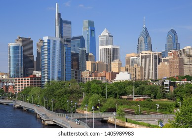 Philadelphia skyline with the Schuylkill River on the foreground, USA