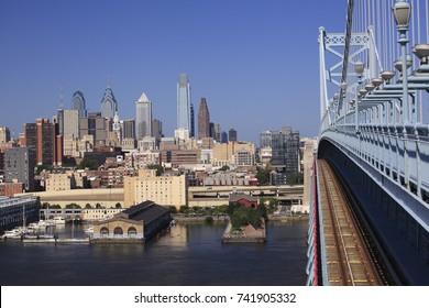 Philadelphia skyline view from Benjamn Franklin Bridge, USA