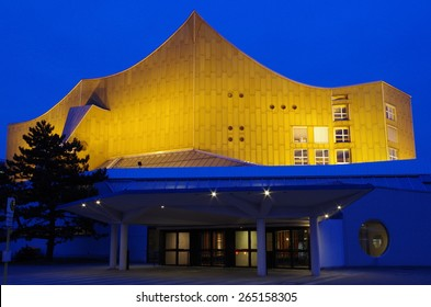philharmonic hall in berlin at blue hour