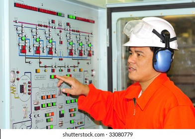 Philippines shipping engineer manages automation panel devices