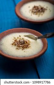phirni -  sweat rice pudding - traditional punjabi sweat dish in earthen plate