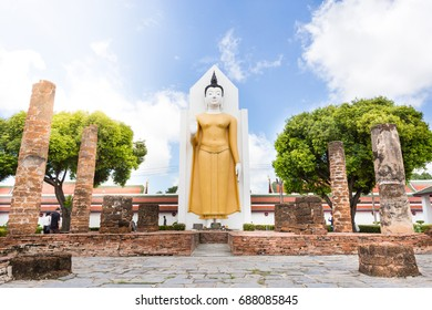 PHITSANULOK - JULY 30,2017 :Golden Buddha statue in Wat Phra Sri Rattana Mahathat in Phitsanulok, thailand on JULY 30, 2017 in phitsanulok Thailand