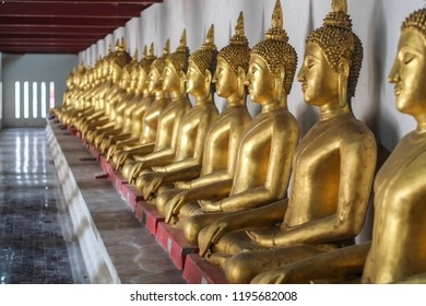 PHITSANULOK/THAILAND - SEPTEMBER 15, 2018: Buddha statue in Wat Phra Sri Rattana Mahathat at Phitsanulok, Thailand.