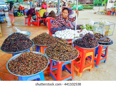 PHNOM PENH CAMBODIA â?? 28 AUGUST : Unidentified street vendor sell fried insect on 28 August 2015 at Street Market Phnom Penh, Cambodia