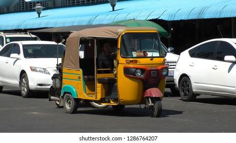 Imágenes, fotos de stock y vectores sobre Tuktuk Cambodia
