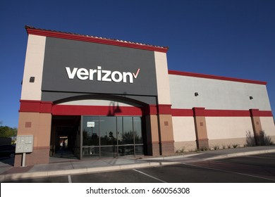 PHOENIX, ARIZONA, JUNE 11, 2017: VERIZON WIRELESS STORE