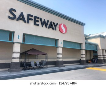 Phoenix,Az/USA - 7.30.18 Safeway, Inc. is an American supermarket chain founded in 1915. A subsidiary of Albertsons, acquired by private equity investors led by Cerberus Capital Management.