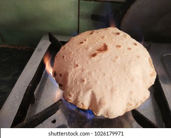 "The Phooli ( Air filled) Roti. In India, Phooli means ""Air filled"". Phooli Roti is completely baked and very soft and delicious to eat. Phooli Roti is very easy to chew and melted in the mouth."