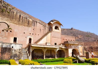 Photgraph of indian house and architecture