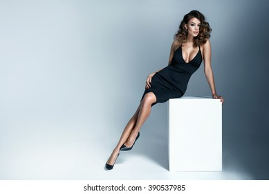Photo of adorable brunette woman