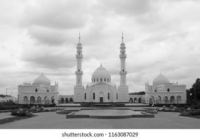 Photo of beautiful unusual White Mosque Tatarstan spring