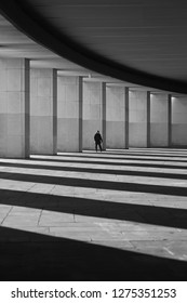 Photo beautiful views of architecture and man with shadows abstract view