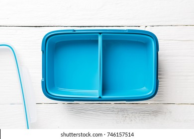 Photo of blue lunchbox with lid