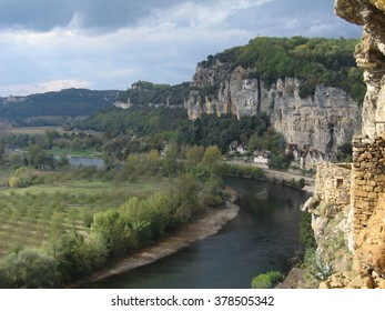 Photo from cliffs behind La Roque-Gageac on the Dordogne RIver, France in late Autumn
