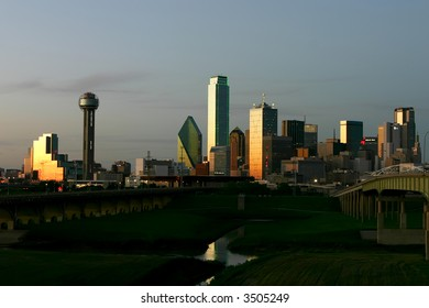 photo of dallas downtown at sunset