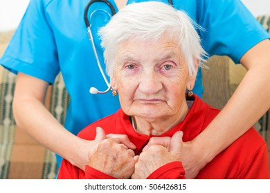Photo of elderly woman and the doctor
