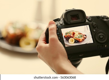 Photo of food on camera display while shooting