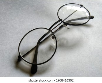 Photo of glasses with black handles