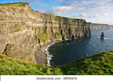 photo late evening sunset famous irish cliffs of moher