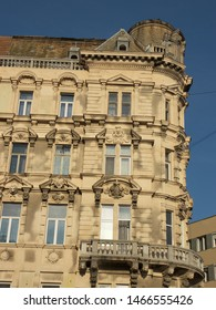 Photo of a neoclassic palace in the capital of Hungary.