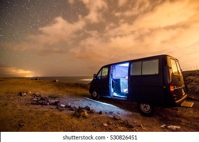 Photo Picture of a Camping in the night