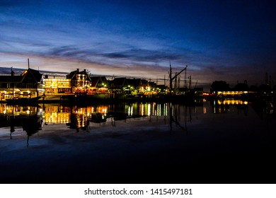 Photo PIcture Waterfront of Volendam at night The Netherlands