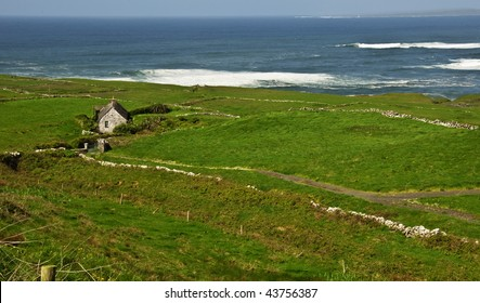 photo rural irish cottage for rent, west coast ireland