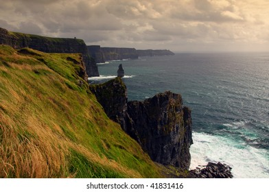 photo scenic sunset view of the cliffs of moher, ireland